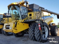 Maaidorser New Holland CR7090 2WD COMBINE 40FT HEADER MN USA